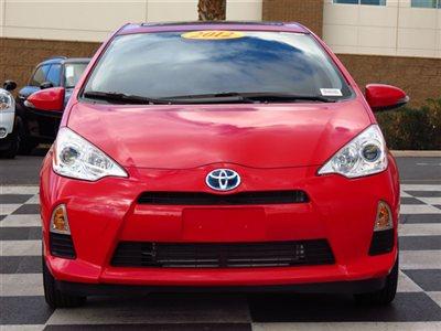 Toyota разрабатывает полноприводной Prius
