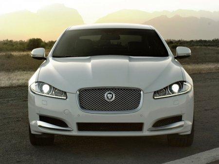 Некоторые модели Jaguar получат механическую коробку передач