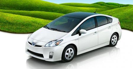 Toyota лидирует в производстве гибридных автомобилей